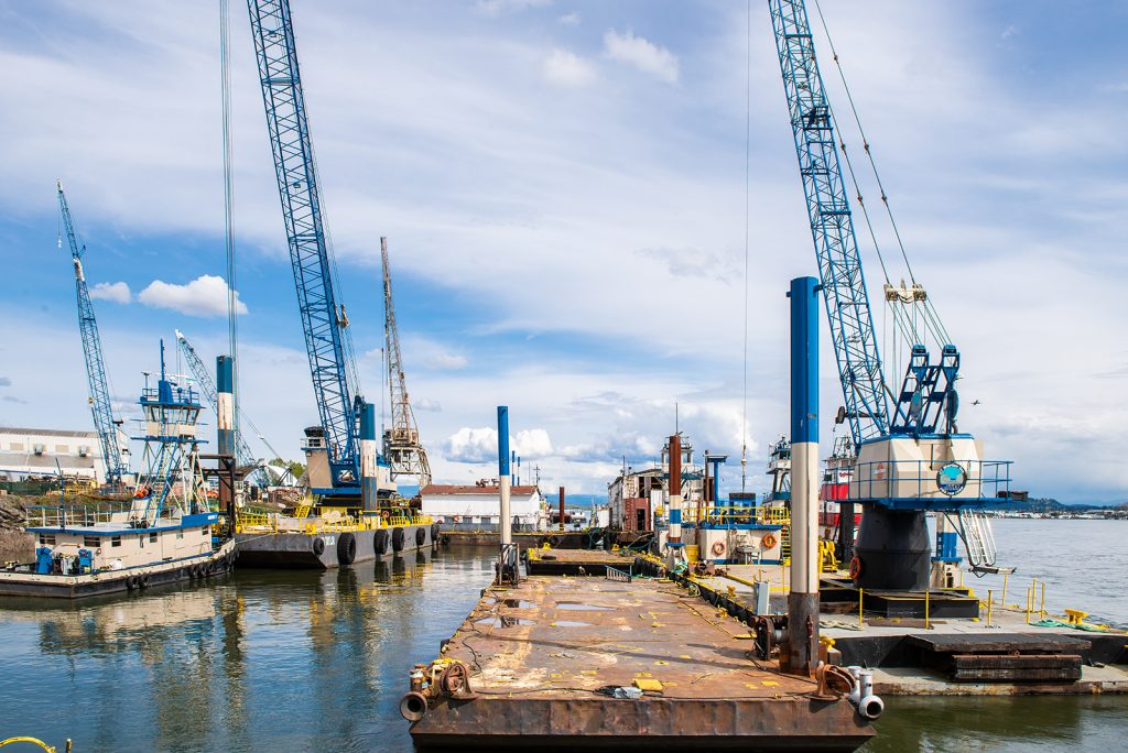 DB Astoria Barge crane at JT Marine yard