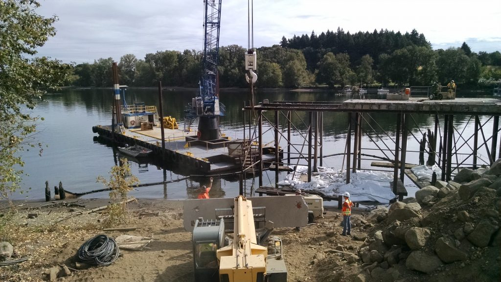 sellwood bridge crane lift